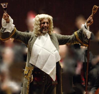 Conductor-Ivars-Taurins-dressed-as-Herr-Handel-for-Sing-Along-Messiah